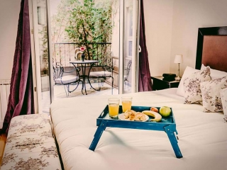 Apart Hotel Buenos Aires Bed Window Balcony Table Chairs Hit